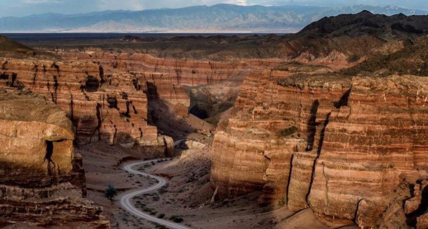 Казахстан: каньоны, скалы и озера